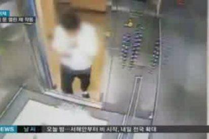 El vídeo del hombre al que casi le corta la cabeza un ascensor defectuoso