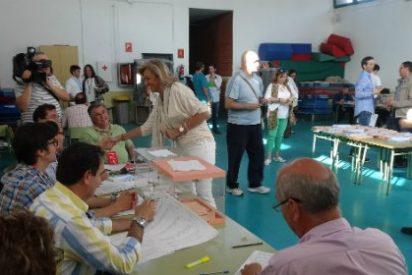 La delegada del Gobierno en Extremadura, Cristina Herrera, acude a votar en Badajoz