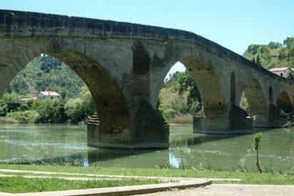 Puente la Reina / Gares