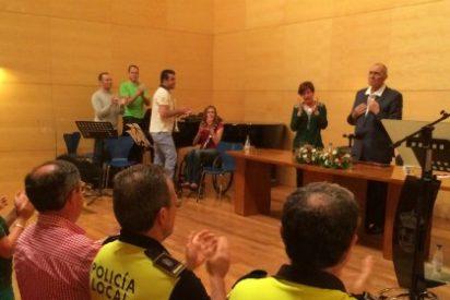 Trabajadores municipales de Don Benito rinden una emotiva despedida al Alcalde Mariano Gallego