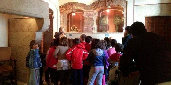 Unos 400 escolares han visitado el Museo Municipal de Cáceres para celebrar el Día Internacional de Los Museos