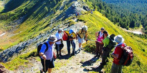 Una guía de bolsillo recoge 40 lugares para practicar ecoturismo en Cáceres