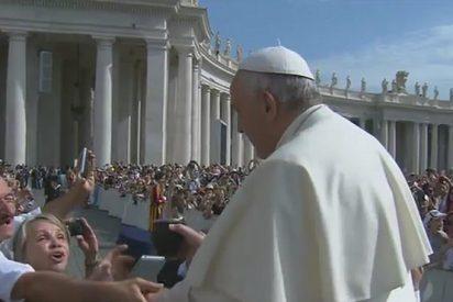 """El Papa pide a los padres separados que no utilicen a sus hijos como """"rehenes"""""""
