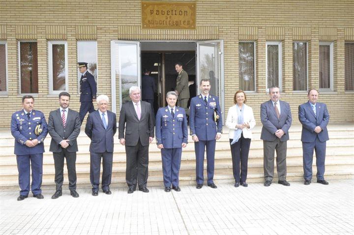 El Rey Felipe VI en la base aérea de Zaragoza