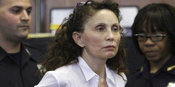 Condenan a una millonaria de Nueva York a 18 años por envenenar a su hijo autista