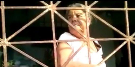 """[Vídeo] A esta mujer la tienen encerrada sus hijos hace años """"por no gastar"""""""