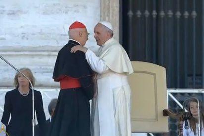 """Bagnasco denuncia que a veces """"ciertas palabras"""" del Pontífice """"son oscurecidas"""""""