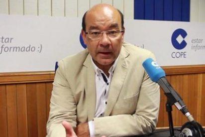 El desatado ataque de risa de Ángel Expósito ante el último trabalenguas de Zapatero