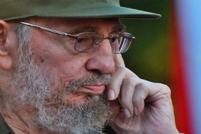 La foto secreta de Fidel Castro casándose por la Iglesia antes de empezar a 'repartir ostias'
