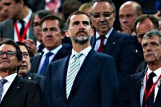 Monumental pitada al himno de España en el Camp Nou en la final de la Copa del Rey
