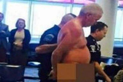 El pasajero desnudo y enfadado que provoca el 'pánico' en un aeropuerto
