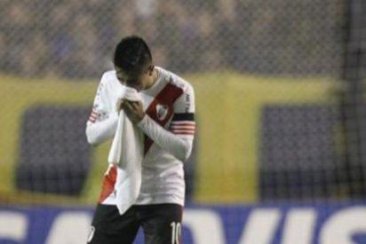 Las vergonzosas imágenes del ataque con gas pimienta de los hinchas de Boca a los jugadores de River