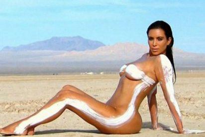 Las fotos de Kim Kardashian desnuda en el desierto te harán la boca agua