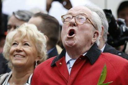 Marine Le Pen no se anda con mano izquierda y saca a su padre a patada limpia del partido