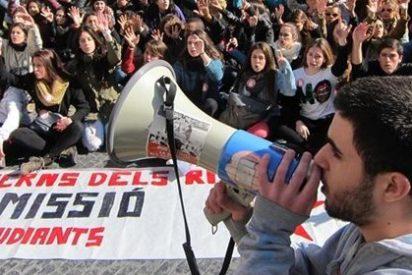 Centenares de estudiantes se manifiestan en Barcelona contra el 3+2