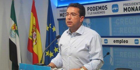 """Manzano, sobre Vara: """"No se puede ir de abanderado de las políticas sociales y ser uno de los más ricos de Extremadura"""""""