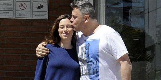 Miki Nadal y Carola, unos felices y orgullosos papás de Carmela