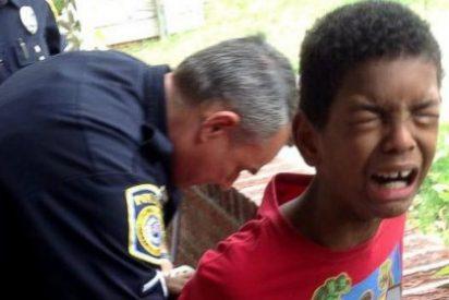El vídeo del niño de 10 años al que su madre manda detener por portarse mal en el colegio
