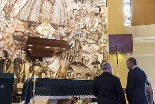 Obama visita la iglesia símbolo de los cubanos exiliados en Miami