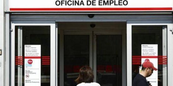 El paro baja en 14.425 personas en abril en Andalucía
