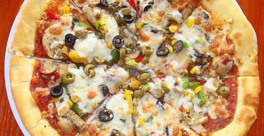Detenido por echar marihuana en una pizza para policías y provocarles diarrea