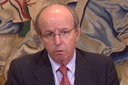 El juez archiva la causa contra el exjefe de la Casa Real por las tarjetas B