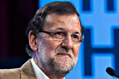 """Rajoy se ve como Cameron y el PP sacude a """"listos, políticos y periodistas"""""""