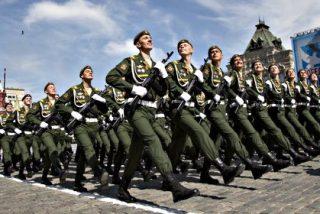 Putin hace gala de músculo militar ruso al estilo soviético en el mayor Desfile de la Victoria