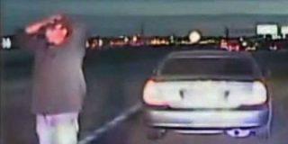 El vídeo del policía 'exonerado' que mata de dos tiros a un conductor