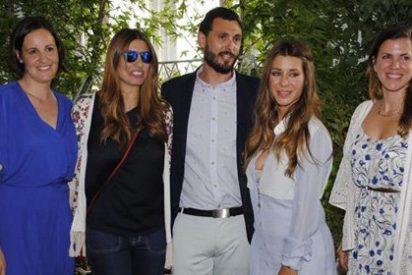 Silvia Casas y Elena Tablada, asistentes de lujo al desfile 'Petit Style'