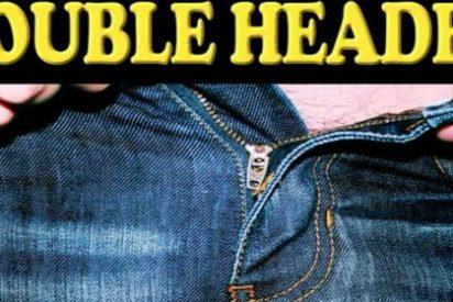 La foto de los dos penes que tiene un tipo bisexual más chulo que un ocho