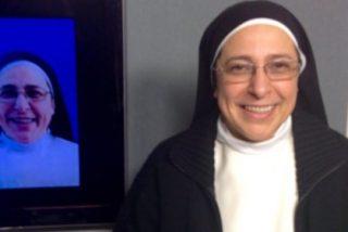 La monja Lucía Caram entra en la campaña catalana vestida de independentista y carga contra Ada Colau