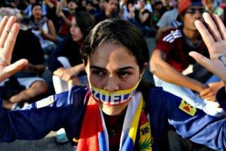 La Venezuela chavista agota sus reservas de alimentos y aumenta la represión