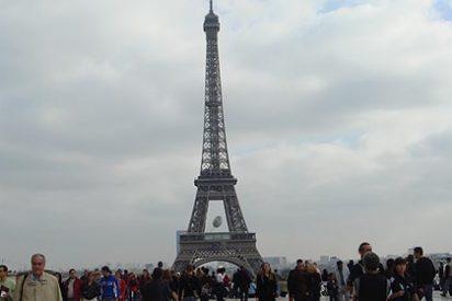 La Torre Eiffel, cerrada por exceso de carteristas