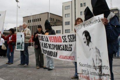 Detienen a 18 militares por el asesinato de un sacerdote en Chile