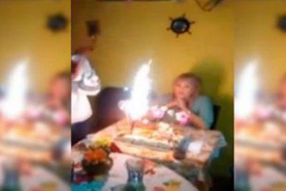 [Vídeo] Esta familia feliz le prende fuego a la cabeza de la abuela en su cumpleaños