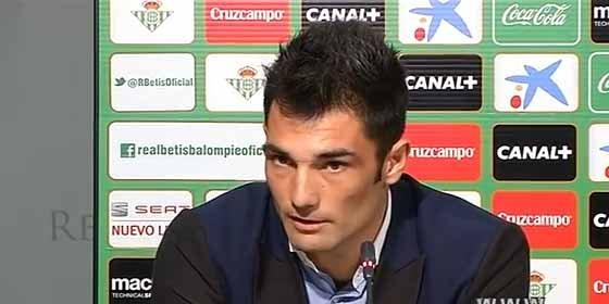Valencia o Villarreal podrían sacarle del Betis por 6 millones de euros