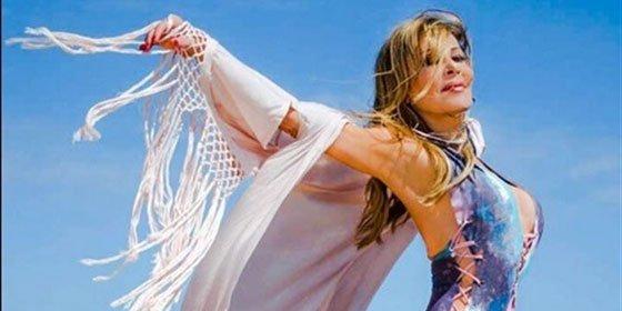 Ana Obregón da la bienvenida al verano con su tradicional posado