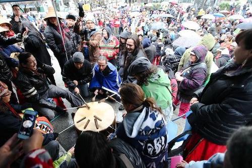 """Los indígenas canadienses piden al Papa que se disculpe por el """"genocidio cultural"""""""