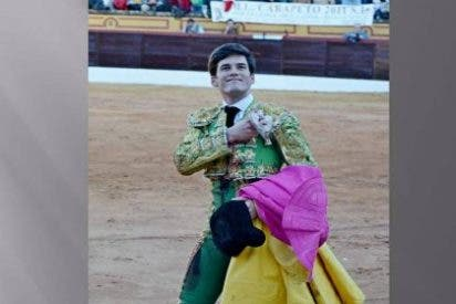 Charla taurina con el diestro José Garrido en Badajoz