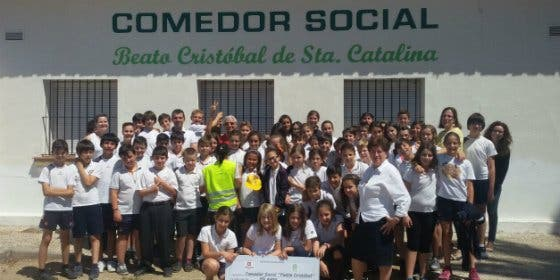 Alumnos del colegio Salesiano de Mérida, donan 1000 euros al comedor social de la localidad