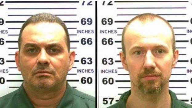 Dos asesinos escapan de una prisión de máxima seguridad cavando un túnel y dejando unos muñecos