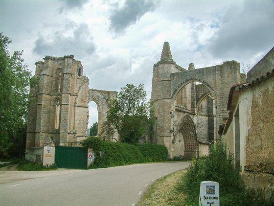 Camino de Santiago: de Tardajos al monasterio y hospital de San Antón