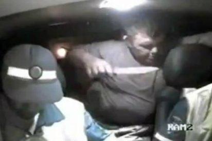 Así degüella el gordo borracho a un policía mientras le pone una multa