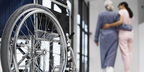 ¿Quieres trabajar cuidando ancianos en Alemania? ¡Ganarás 2.400 € mensuales!