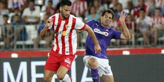 El Deportivo se lanza a por dos futbolistas del Almería