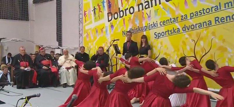 """El Papa a los jóvenes de Sarajevo: """"Sois flores de la primavera, para construir puentes"""""""