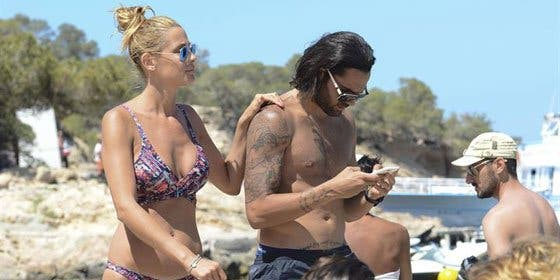 Elisabeth Reyes y Sergio Sánchez disfrutan de unas vacaciones en Ibiza