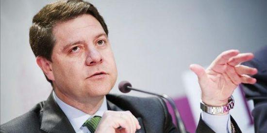 Page augura una legislatura estable con Podemos en C-LM