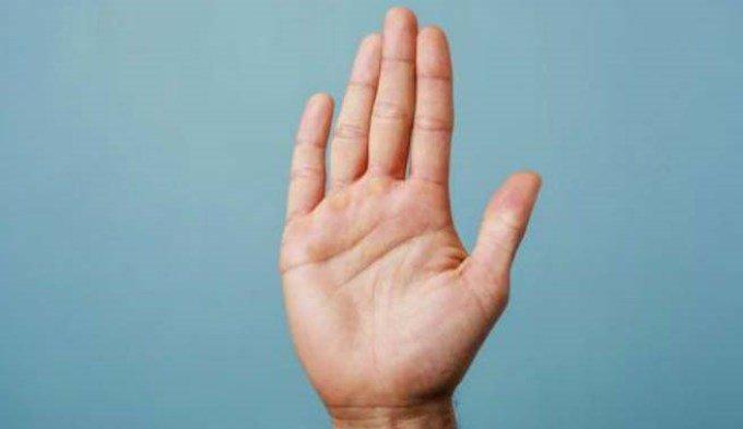 Cómo saber mirando el tamaño de tu dedo anular si eres gay o lesbiana